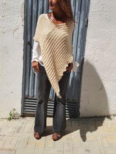 Merino wool poncho. Love cream for winter!!! por EstherTg