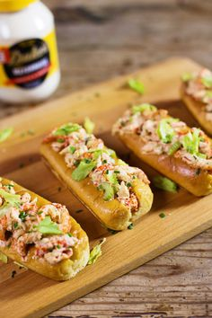 Chef Kelly Fields's Crawfish Roll Serves 10 For the ultimate crowd-pleasing dish, whip up a plate of of these bayou-inspired crawfish rolls Crawfish Recipes, Cajun Recipes, Seafood Recipes, Fried Bologna, Homemade Pimento Cheese, Bologna Sandwich, La Eats, Southern Recipes, Pizza