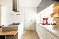 """176 curtidas, 3 comentários - Alexandre Dal Fabbro (@alexandredalfabbro) no Instagram: """"Cozinha do nosso projeto JML400. Aconchego! #alexandredalfabbro foto: @nikicamargo"""""""