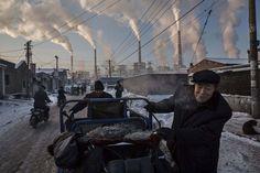 Las mejores imágenes del World Press Photo 2016: las 45 fotos'China's Coal Addiction' de Kevin Frayer (Canadá)