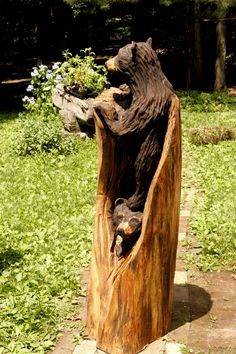 Two Cubs in a Log- call for pricing Chainsaw Wood Carving, Wood Carving Art, Wood Carvings, Diy Log Cabin, Bear Decor, Tree Artwork, Tree Carving, Art Carved, Tree Trunks