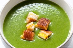 Spinach potato soup with mini-grilled cheese croutons