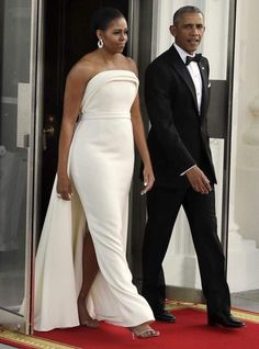 Michelle Obama wears gown by Brandon Maxwell, Gaga stylist Barak And Michelle Obama, Michelle Obama Fashion, Barrack Obama, Streetwear, Ellie Saab, Bridal Gowns, Wedding Dresses, Tom Ford, African Fashion