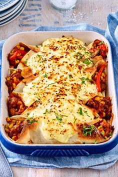 Scalloped wraps recipe DELICIOUS - Make wraps, cheese on top and off to the oven! Make wraps, cheese on top and off to the oven! Authentic Mexican Recipes, Mexican Food Recipes, Ethnic Recipes, Dinner Recipes, Healthy Eating Tips, Good Healthy Recipes, Healthy Foods To Eat, Pizza Hut, Skirt Steak
