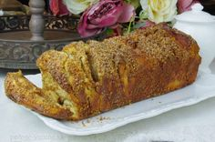 Škoricovo-orechový trhanec Banana Bread, Desserts, Food, Basket, Kuchen, Tailgate Desserts, Deserts, Essen, Postres