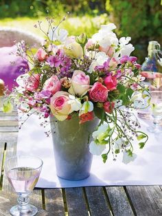 Floral Arrangement ~ Quite Simply... a GORGEOUS bouquet of flowers