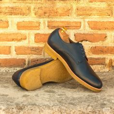 Custom Made Derby in Navy Blue Painted Full Grain Leather with Crepe Sole Custom Design Shoes, Suit And Tie, Luxury Lifestyle, Calf Leather, Casual Looks, Designer Shoes, Derby, Calves, Oxford Shoes