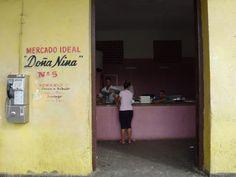 Kto chce podnikať na Kube, musí mať licenciu. No málokto si ju môže dovoliť.