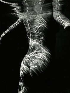Photographic Print: Underwater Nude, 1979 by Brett Weston : Underwater Model, Underwater Photos, Underwater Photography, Ocean Underwater, Body Photography, Photography Women, Fine Art Photography, Shooting Photo, Black And White Photography