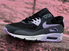 Sneakers -Nike Air Max 90  : Nike WMNS Air Max 90 Essential: Black/Grey/Violet Frost