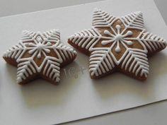 Christmas Sugar Cookies, Christmas Cupcakes, Christmas Desserts, Christmas Treats, Christmas Baking, Fun Desserts, Gingerbread House Designs, Gingerbread Decorations, Gingerbread Cookies