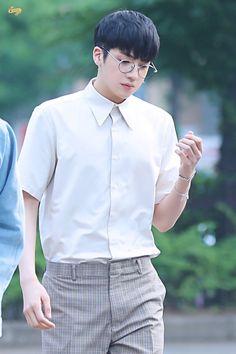 Pentagon Members, Pentagon Wooseok, Teen Guy Fashion, How To Speak Korean, Fandom, E Dawn, Jung Woo, Cube Entertainment, South Korean Boy Band