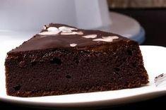 Σοκολατόπιτα νηστίσιμη Meals Without Meat, Vegetarian Recipes, Cooking Recipes, Sweet Cooking, Chocolate Factory, Sugar Cravings, Cake Recipes, Food And Drink, Healthy Eating