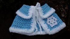 Cape and Hat set Inspired by Frozen Queen Elsa por MadeByLilian Crochet Cowl Free Pattern, Crochet Skirt Pattern, Granny Square Crochet Pattern, Crochet Patterns Amigurumi, Crochet Girls, Crochet For Kids, Kids Cape Pattern, Easy Crochet Slippers, Frozen Crochet