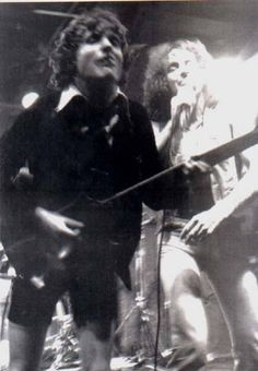 1977/08/24 - USA, New York, CBGB's   Highway To ACDC : le site francophone sur AC/DC