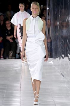 Prabal Gurung S/S 2014 - Nothing beats a head-to-toe all white look with feminine accents. #NYFW