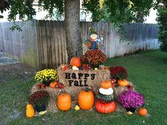 31 Beautiful Front Yard and Backyard Landscaping Ideas for Autumn Cozy Backyard, Backyard Patio Designs, Backyard Landscaping, Landscaping Ideas, Backyard Birds, Pumpkin Trellis, Fall Yard Decor, Seasonal Decor, Autumn Decorating