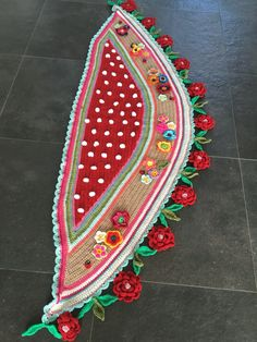 Crochet shawl flowers and dots red boho ibiza pollevie by Pollevie on Etsy https://www.etsy.com/listing/463207883/crochet-shawl-flowers-and-dots-red-boho