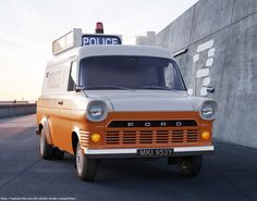 Ford-Transit-MK1-FP-2x- British Police Cars, Old Police Cars, Emergency Vehicles, Police Vehicles, Ford Vehicles, Car Ford, Ford Trucks, Ford Transit Camper, Old Commercials