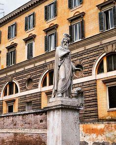 Piazza del Popolo statue, Rome. . . . . #piazzadelpopolo #rome #europe #photography #citytrip #travelphotography #instashare #travel #reizen #reisfotografie