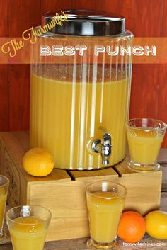 This is the best punch recipe. It combines pineapple, orange and lemon flavors for a an addicting drink for any party. This is the best punch recipe. It combines pineapple, orange and lemon flavors for a an addicting drink for any party. Wedding Punch Recipes, Easy Punch Recipes, Pineapple Lemonade, Pineapple Punch, Pink Lemonade, Bbq Pineapple, Cranberry Lemonade, Brunch Drinks, Yummy Drinks