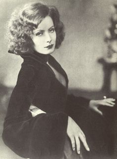 Greta Garbo, that FACE, seriously!
