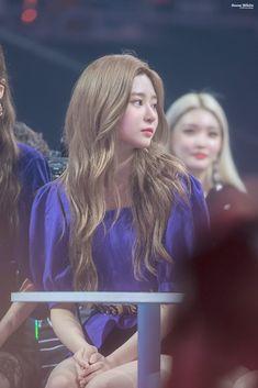 "Snow White on Twitter: ""190801 MGMA 백설민주 4 @official_izone #김민주 #キムミンジュ #KIMMINJU #IZONE #아이즈원 #アイズワン… "" Japanese Girl Group, Kim Min, The Wiz, My Beauty, Pretty Face, Yuri, Pretty Girls, Beautiful People, Snow White"