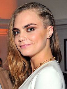 Cara Delevingne Has an Undercut (Is it 2013?) http://stylenews.peoplestylewatch.com/2015/01/09/cara-delevingne-undercut-shaved-hair-photos/