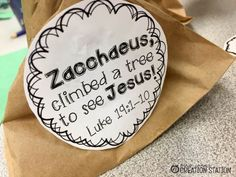 The story of Zacchaeus is a great way to teach kids how to treat their friends and this Bible craft is a fun way to help them remember Jesus' example. Toddler Bible Crafts, Bible Story Crafts, Preschool Bible, Bible Activities, Bible For Kids, Preschool Lessons, Bible Stories, Sunday School Lessons, Sunday School Crafts