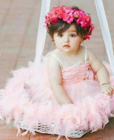 The cutest baby photo Cute Baby Girl Photos, Cute Little Baby Girl, Cute Kids Pics, Baby Boy Pictures, Baby Images, Cute Baby Girl Wallpaper, Stylish Baby Clothes, Stylish Kids, Cute Baby Dresses