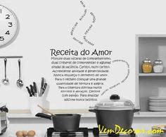 ADESIVO DECORATIVO - COZINHA - RECEITA DO AMOR + KITCHEN LOVE - COD 39M    TAMANHO: 60 cm x 50 cm - DIVERSAS CORES DISPONÍVEIS    ENVIO: Imediatamente após a confirmação do pagamento.    FRETE: Grátis para todo Brasil (PAC - NORMAL).    Você também pode escolher a entrega via SEDEX.    Prazo de entrega: Após o envio, 2 a 5 dias úteis (PAC - NORMAL), dependendo do local de destino. R$ 89,90