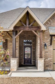 Castlegate II - traditional - Exterior - Austin - Omega Builders