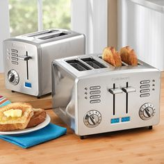 #cultivateit  Just bought this awesome toaster with four slices.  Will toast one side of the bagel and warm the other.  Will adjust to thin bread slice.  Rewarm feature without additional browning.  Retro design.  Perfect!!!!!!!