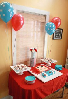 I had this party in My kids have no idea who Raggedy Ann or Holly Hobby is. Time to do a little resurrection of my past. Twin Birthday, 1st Birthday Parties, Birthday Ideas, 38th Birthday, Themed Parties, Happy Birthday, I Party, Party Time, Party Ideas