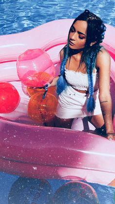 Aesthetics Tumblr, Celebration Quotes, Pool Days, Baby Yellow, Poncho, Beauty Photos, Girls Makeup, Beach Girls, Tumblr Girls