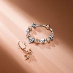 パンドラの新作パンドラ ローズ コレクションはロマンティックな色合いが魅力