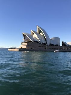 Here we have listed best places you can consider visiting in Sydney during your upcoming tour to Australia. Here is a travel guide on Sydney. Australia Travel Guide, Visit Australia, Australia House, Tourist Spots, Vacation Spots, Tourist Places, Best Places To Travel, Cool Places To Visit, Australia Country