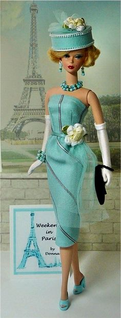 Barbie en Vogue... http://donnasdolldesigns.com/images/13-paris.01.jpg