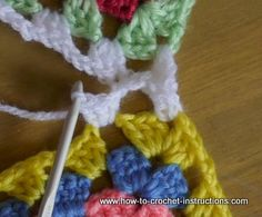 how to join granny squares together with good pictures http://www.how-to-crochet-instructions.com/joining-granny-squares.html