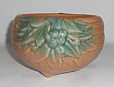 Nelson McCoy Pottery Tan/Green Leaf/Berries Planter!