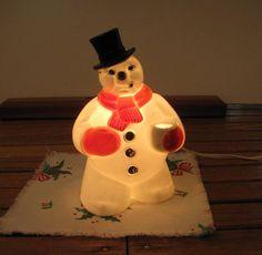 Vintage Hard Plastic Light Up Frosty the Snowman Christmas Decoration. Snowman Christmas Decorations, Christmas Snowman, Vintage Christmas Lights, Frosty The Snowmen, Christmas Items, Light Up, 1950s, Vintage Items, Plastic