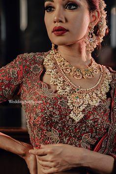 bridal jewellery ideas , bridal jewellery sets , bridal jewellery elegant , bridal jewellery gold designs , bridal jewellery designs , bridal jewellery , bridal jewellery brides , bridal jewellery indian wedding Bridal Jewellery Boxes, Bridal Jewellery Online, Floral Lehenga, Jewelry Showcases, Lehenga Designs, Celebrity Makeup, Bridal Sets, Bridal Looks, Necklace Designs