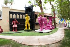 Why not: Crazy sculptures in the front yard.