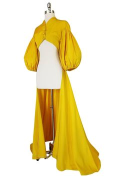Extraordinary Yellow Silk Satin Full Length Skirted Jacket In Good Condition In Rockwood, ON Pretty Outfits, Cool Outfits, Fashion Outfits, Fashion Quiz, Fashion Ideas, Fashion Tips, 1940s Fashion, Vintage Fashion, Edwardian Fashion