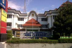 PLN Area Cirebon Distribusi Jabar-Banten Jalan Tuparev, Kecamatan Kedawung Cirebon, Jawa Barat, Indonesia. photo cp 19 Juli 2014