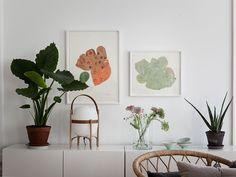 Historiska hem High Fashion Home, Spotlights, Simple House, Home Decor Styles, Vignettes, Interior Decorating, Mirror, Bedroom, Inspiration