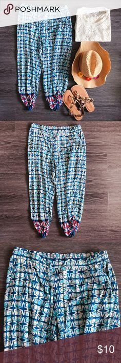 American tag pants - ankle length American tag pants with tie front and touched ankle detail. - very good condition, like new  - Product color may slightly vary due to photographic lighting sources or your monitor settings  - Do accept offers  - No returns American Rag Pants Ankle & Cropped