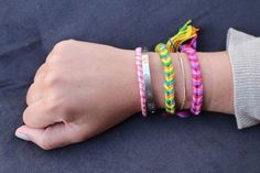 25 Awesome Friendship Bracelet Designs - SheIdeas