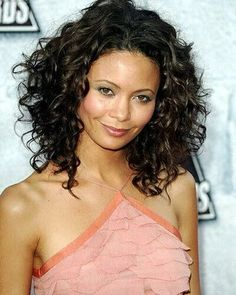 absolutely love thandie netwon's hair!