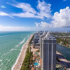 Life is beter at the Beach! by @topflight_photography #FridayFeeling #miami